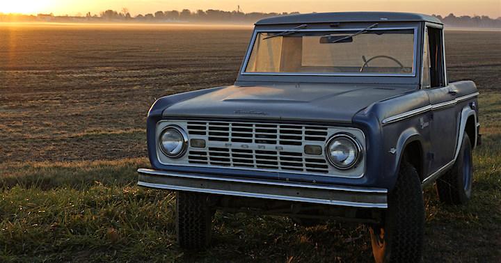 Nostalgia Highway   Abandoned Cars and Trucks